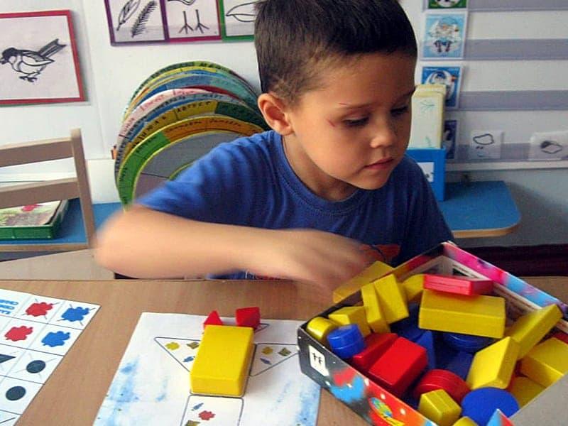 детский сад и Логические блоки Дьенеша