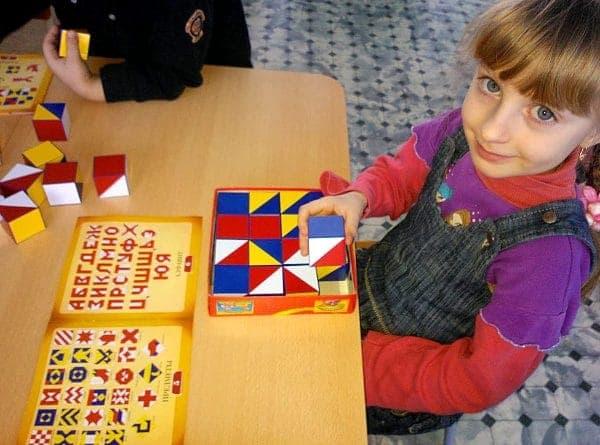 Развивающая игра Кубики Сложи узор